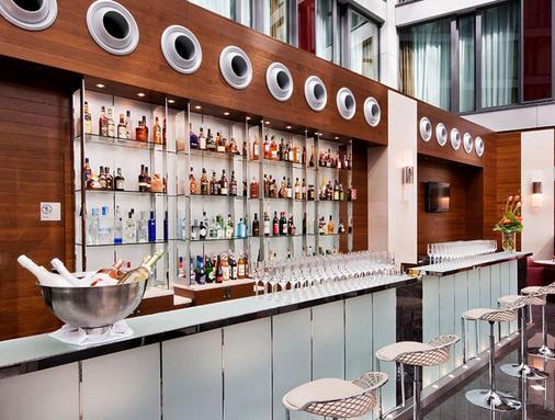 信息欧洲之星柏林酒店 - 柏林 - 酒吧