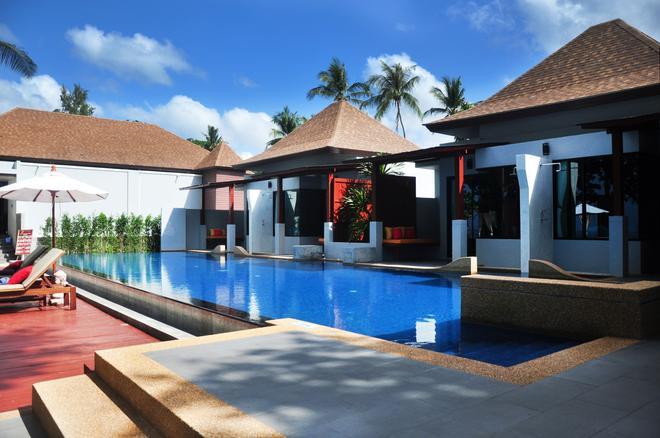兰塔沙洲Spa度假酒店 - 高兰 - 游泳池