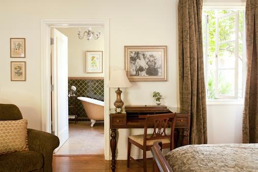 柳树棕榈泉历史旅馆 - 棕榈泉 - 睡房