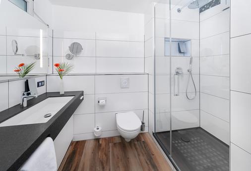 Si套房酒店 - 斯图加特 - 浴室