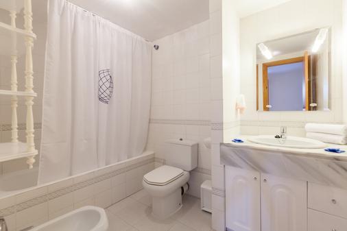 因特尔靠普威望滨海宫酒店 - 普拉亚登博萨 - 浴室