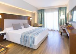 阿兰达马尔贝拉酒店 - 马贝拉 - 睡房