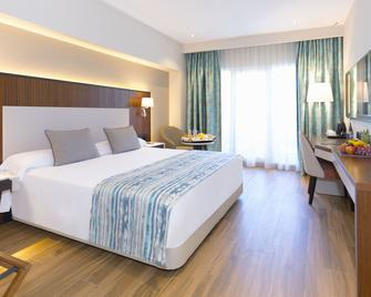 阿兰马贝拉酒店 - 马贝拉 - 睡房
