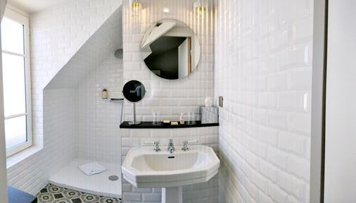 马素尔埃梅文学贝斯特韦斯特优质酒店 - 巴黎 - 浴室