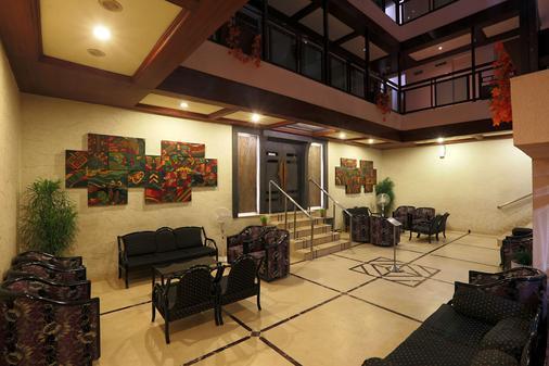 南丹酒店 - 古瓦哈蒂 - 大厅