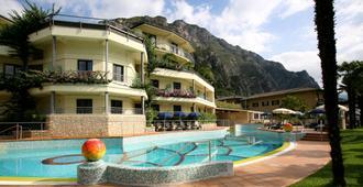 皇家乡村酒店 - 加达 - 建筑
