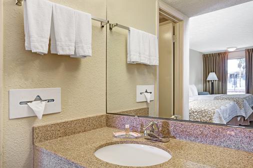 西部戴斯汽车旅馆 - 圣奥古斯丁 - 浴室