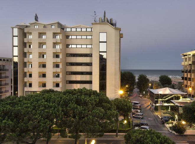 斯波廷酒店 - 里米尼 - 建筑