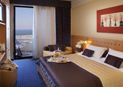 斯波廷酒店 - 里米尼 - 睡房