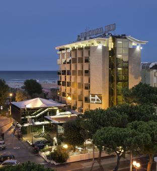安巴夏特利酒店 - 里米尼 - 建筑