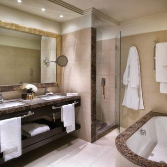 安巴夏特利酒店 - 里米尼 - 浴室