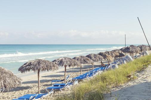 比莱夫体验拉莫拉斯酒店式酒店 - 巴拉德罗 - 海滩