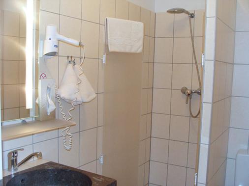 柏林弗鲁格哈芬艾维酒店 - 柏林 - 浴室