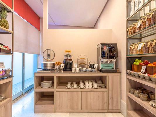 克托陶格马公寓式酒店 - 马德里 - 自助餐