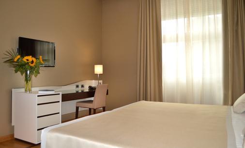 艾瑟达帕拉佐酒店 - 那不勒斯 - 睡房