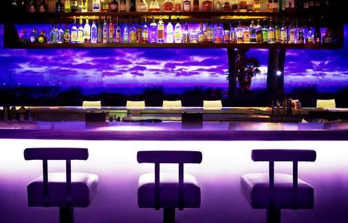 塔23酒店 - 圣地亚哥 - 酒吧
