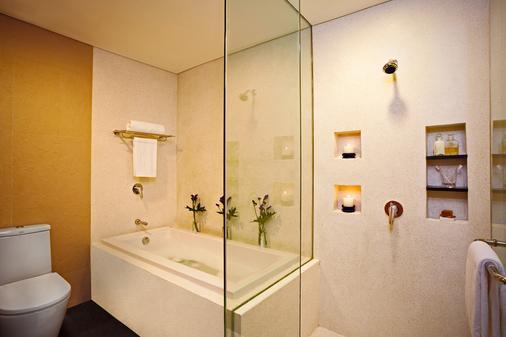 曼谷素坤逸夏玛酒店 - 曼谷 - 浴室