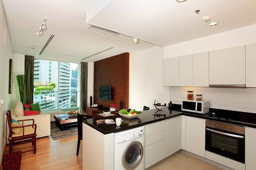 莎玛素坤逸服务式公寓酒店 - 曼谷 - 厨房