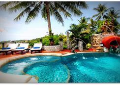 布姆兰乡村度假酒店 - 卡伦海滩 - 游泳池