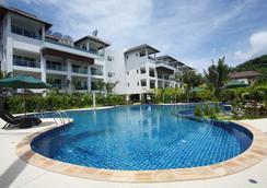 班陶热带别墅温泉度假酒店 - Choeng Thale - 游泳池