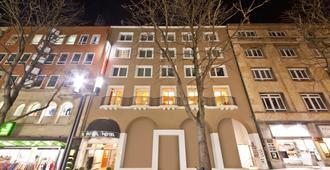 斯图加特市大道新奇酒店 - 斯图加特 - 建筑