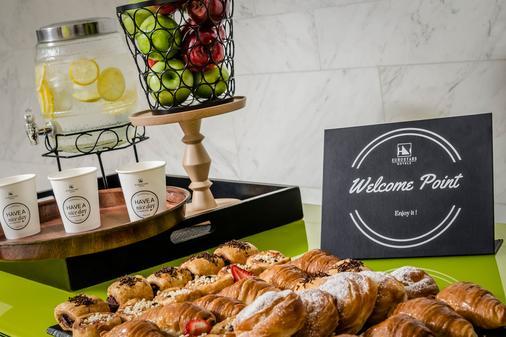 欧洲之星安格利酒店 - 巴塞罗那 - 自助餐