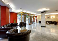 艾克塞特里安佛酒店 - 格拉纳达 - 大厅