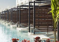 卓越集团最好普拉亚穆吉莱斯酒店 - 坎昆 - 游泳池