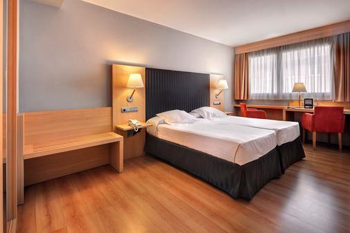 斯科特戈马酒店 - 萨拉戈萨 - 睡房