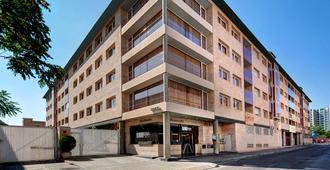 戈马别墅酒店 - 萨拉戈萨 - 建筑