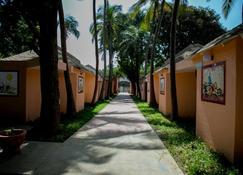 Tropic Garden Hotel - 班珠尔 - 建筑