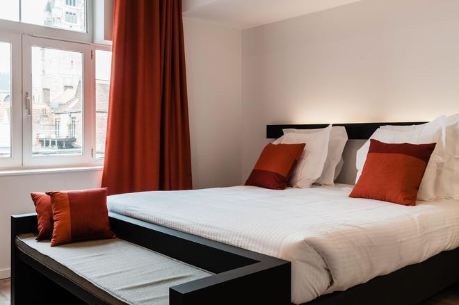 坡提纳里酒店 - 布鲁日 - 睡房