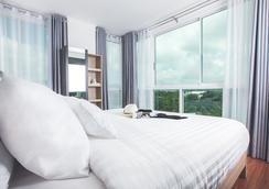 普吉岛宽敞公寓式酒店 - 普吉岛 - 睡房