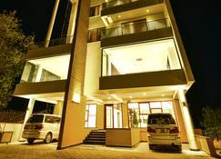 恩德培K酒店 - 恩德培 - 建筑