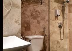 胡罗禅房高级酒店 - 吉隆坡 - 浴室