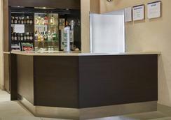 Victor Hotel - 伦敦 - 酒吧