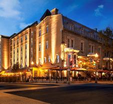劳里尔堡酒店