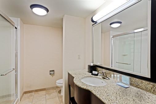 克利尔沃特/圣彼得堡汉普顿套房酒店 - 乌尔梅顿路 - 克利尔沃特 - 浴室