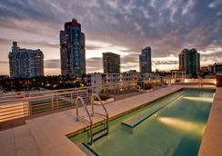 迈阿密普莱姆酒店 - 迈阿密海滩 - 游泳池