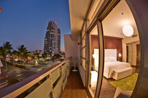 迈阿密普莱姆酒店 - 迈阿密海滩 - 阳台