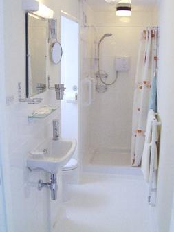 瑞士风B&B小屋 - 大雅茅斯 - 浴室
