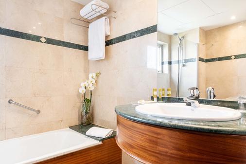 欧洲之星拉科鲁尼亚城市酒店 - 拉科鲁尼亚 - 浴室
