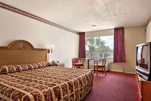奥兰多环球影城附近的戴斯酒店 - 奥兰多 - 睡房