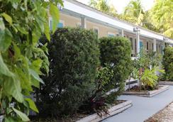 贝壳汽车旅馆及国际旅舍 - 基韦斯特 - 户外景观
