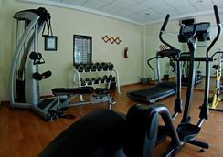 金叶酒店及套房 - 瓜达拉哈拉 - 健身房