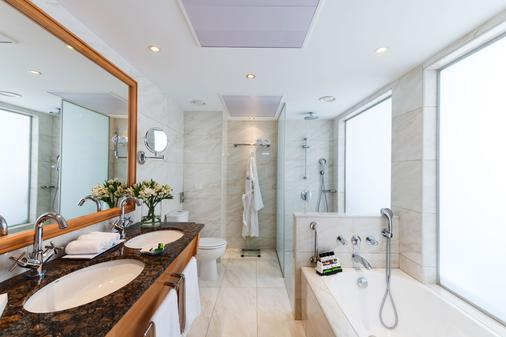 康斯坦丁诺雅典娜皇家海滩酒店 - 帕福斯 - 浴室