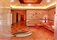 Hotel Sapphire - Lonavala - 大厅