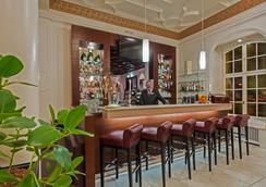 巴塞尔城市客栈酒店 - 巴塞尔 - 酒吧