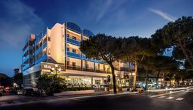 罗莎里维埃拉别墅酒店 - 里米尼 - 建筑