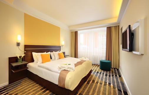 杜鸥酒店 - 布拉格 - 睡房